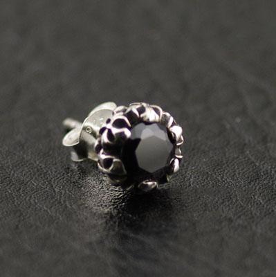 Japan Gothic Jewelry Cross Medal Design Black Diamond Gothic Silver Earstud (Men Earring)