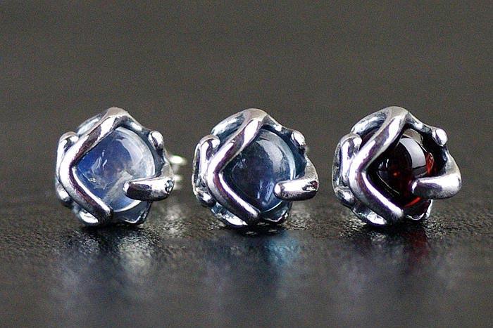 Japan Gothic Jewelry 925 Sterling Silver Set Moonstone Garnet Topaz Stone Crystal Gothic Silver Earstud (Female Earring)