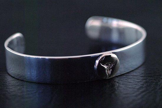 Japan Gothic Jewelry Indiana Style goro Design Golden Bull Head Tolem 925 Sterling Silver Plain Bangle (Men Bracelet)